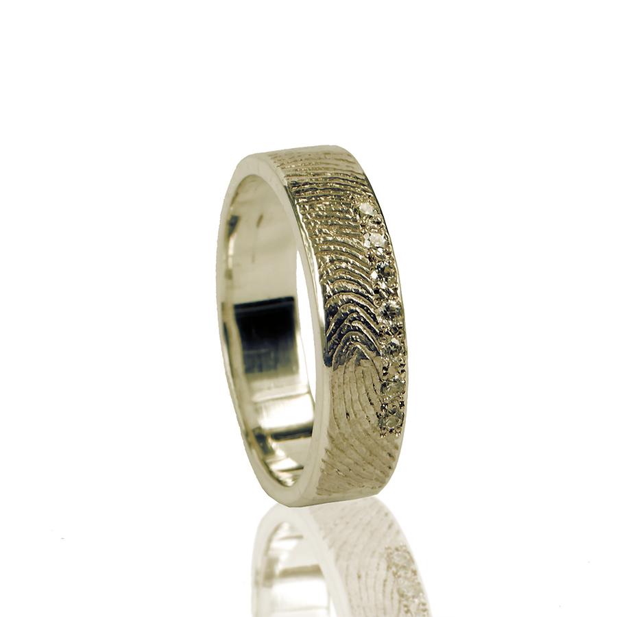 0101-07  Vingerafdruk ring met 7 stenen