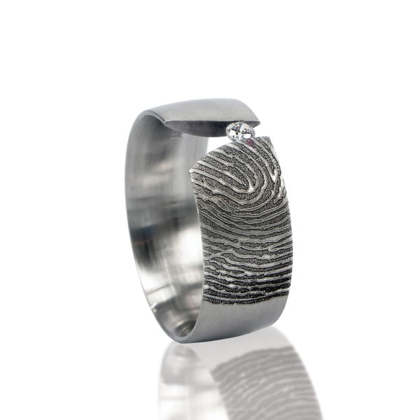 0116-00 Vingerafdruk ring met steen