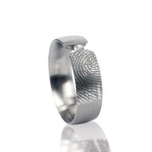 0117-00 Vingerafdruk ring met steen