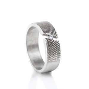 0119-00 Vingerafdruk ring met steen