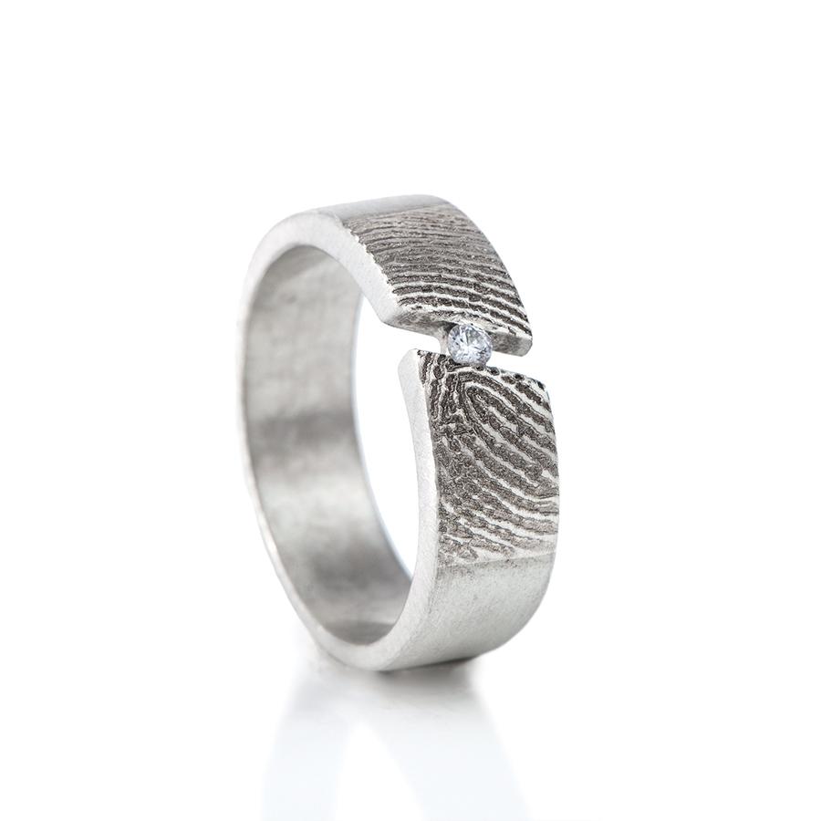 0119-00d Vingerafdruk ring met steen