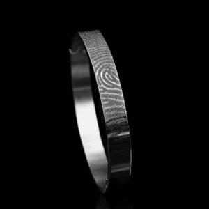 0310-00 Armband met vergrootte vingerafdruk
