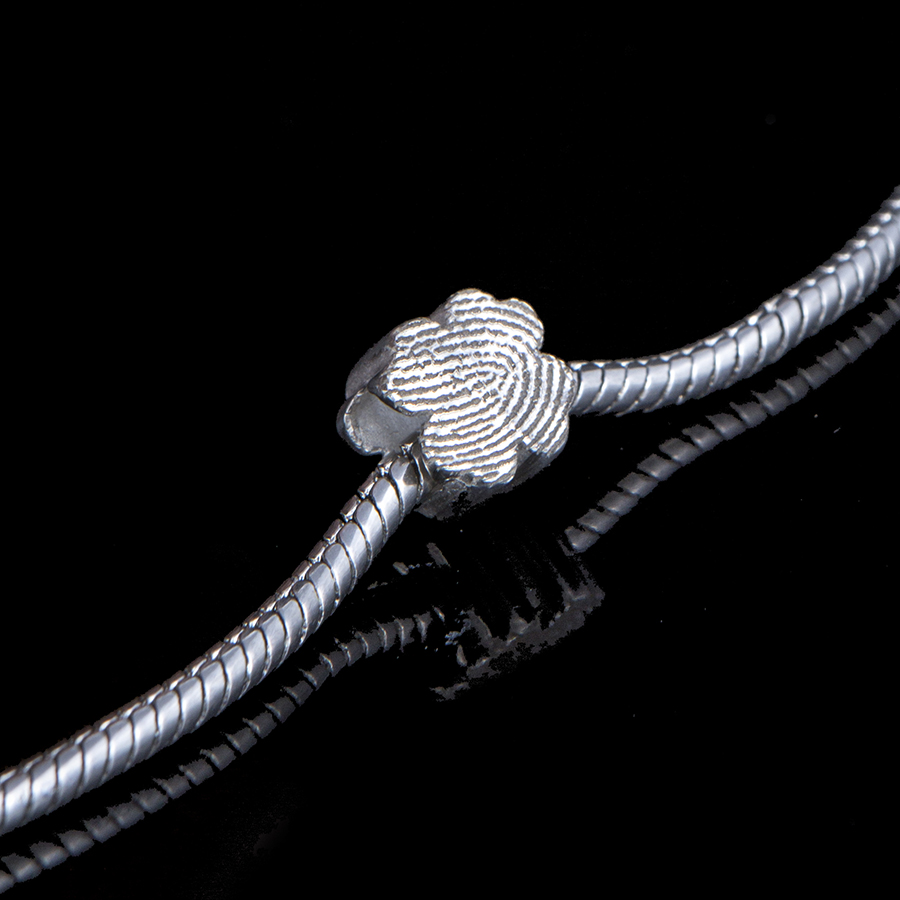 0501-00 Klavervormige bead