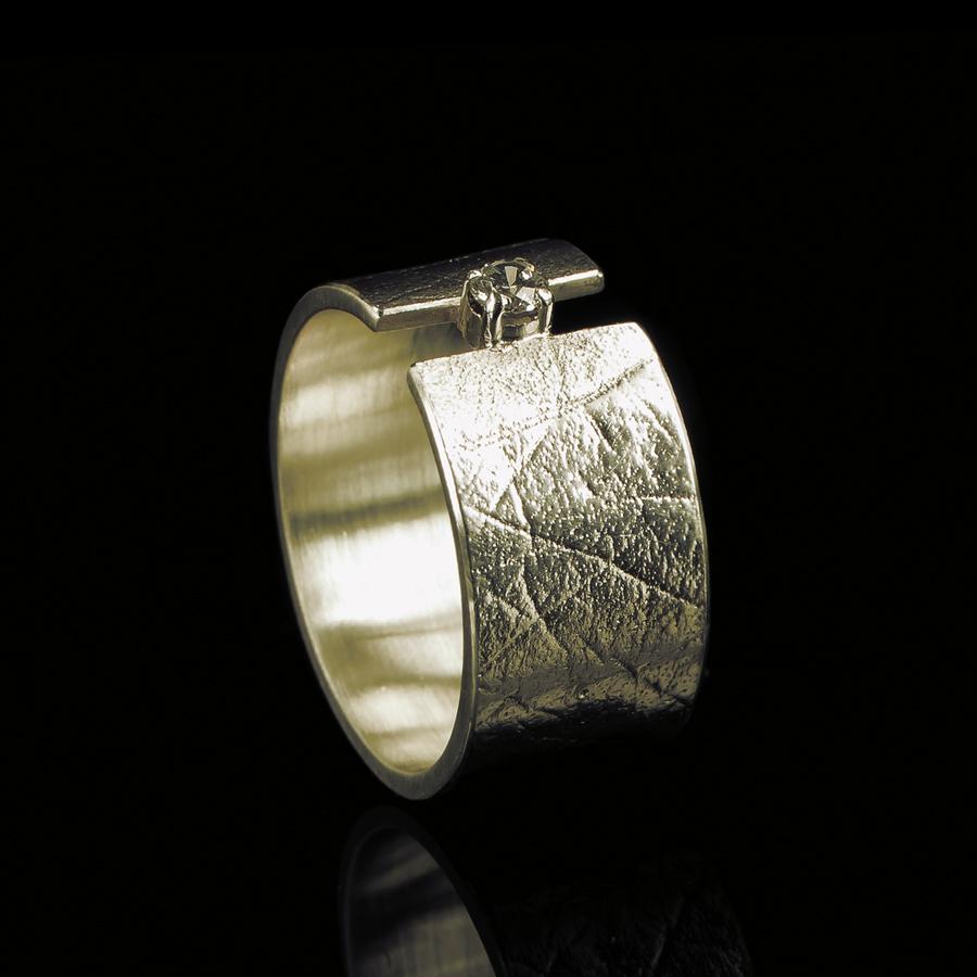 0101-10  Vingerafdruk ring met steen