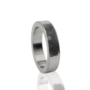 0101-01 Ring met steen