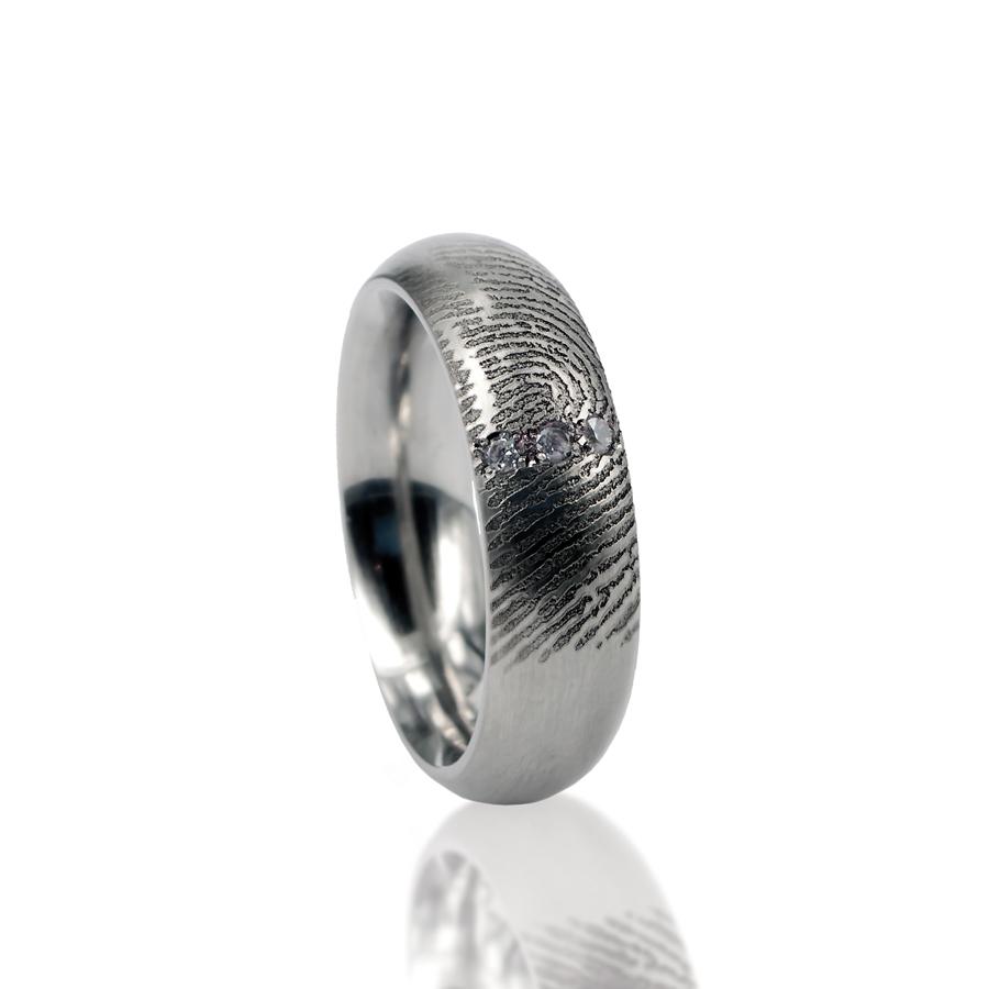 0115-03 Ring met 3 stenen