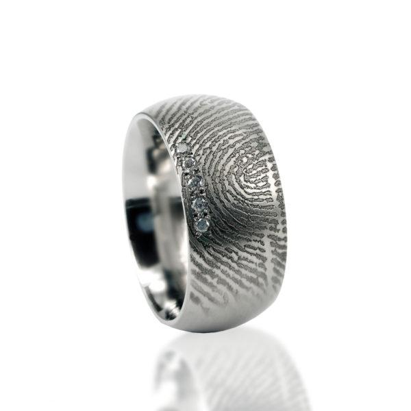 0115-05 Ring met 5 stenen