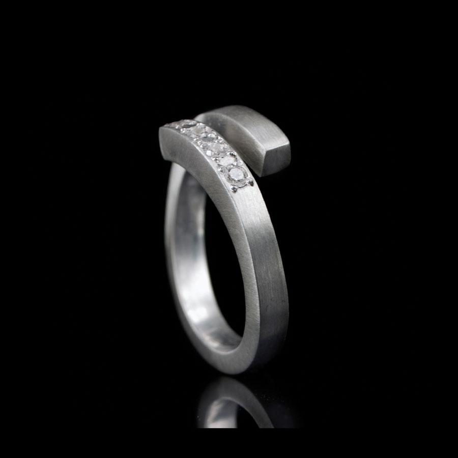 1117-04 Ring met 4 stenen