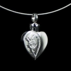 0821-00 Hartvormige  ashanger met afbeelding van roos